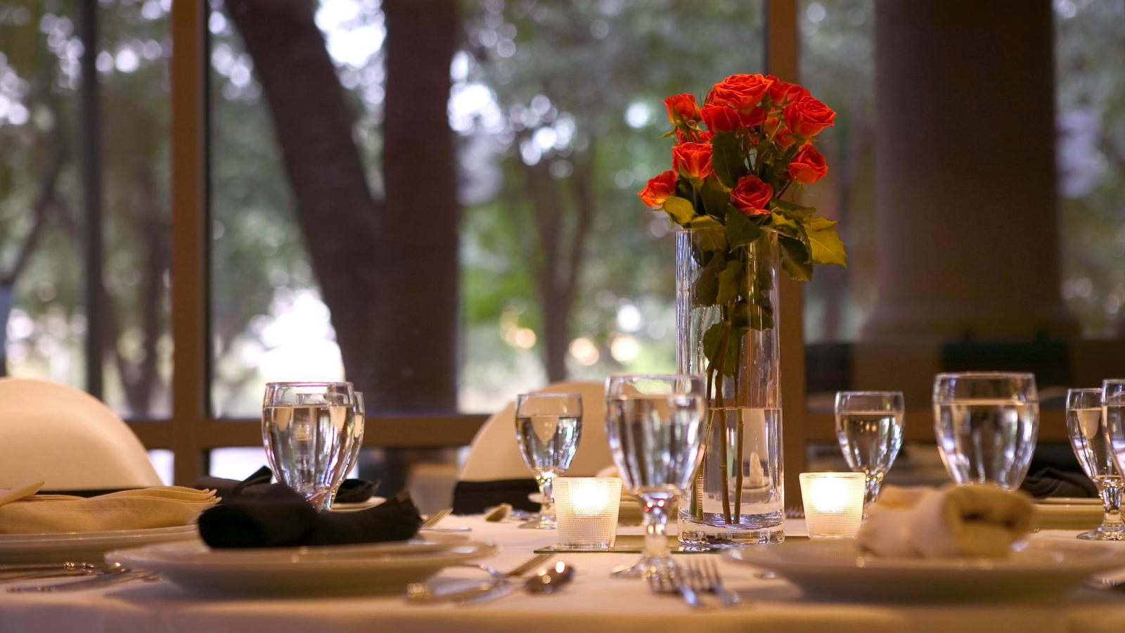 Dallas Weddings - Sheraton Suites Market Center Dallas